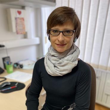 Špela Kozel – tajnica